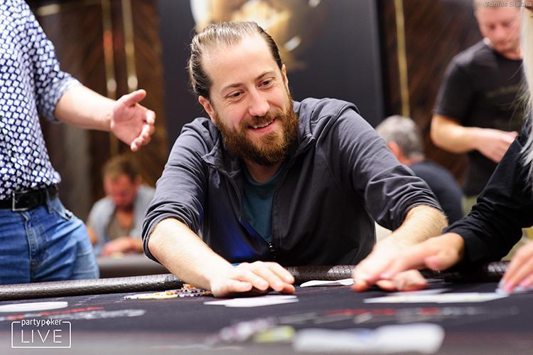 Steve O'Dwyer crava 25K da Powerfest e fatura quase US$ 900 mil/CardPlayer.com.br