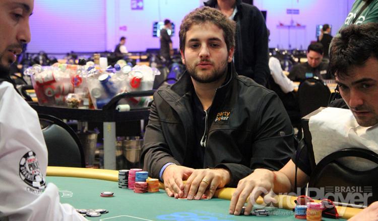 João Simão volta a ganhar um prêmio de seis dígitos na Powerfest/CardPlayer.com.br