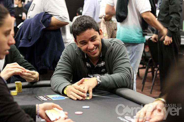 "Flávio ""flavioreis88"" Reis deixa a decisão do Main Event Medium do SCOOP com US$ 62 mil/CardPlayer.com.br"