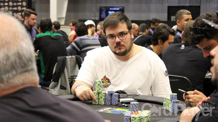 """Pedro """"kurtWSOP"""" Cavalieri leva a melhor no Hot $215/CardPlayer.com.br"""