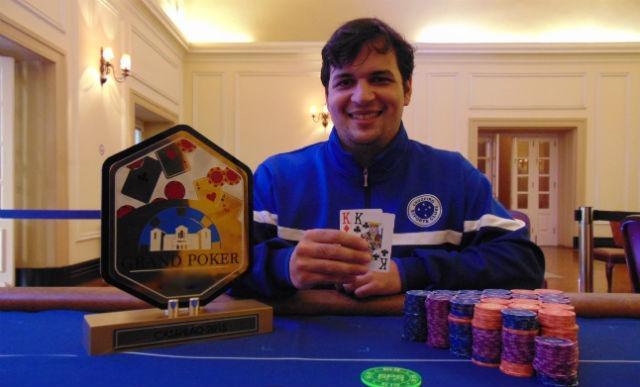 """Guilherme """"GhRibeiro"""" Ribeiro conquista o título do Evento 140 da Bounty Builder Series/CardPlayer.com.br"""
