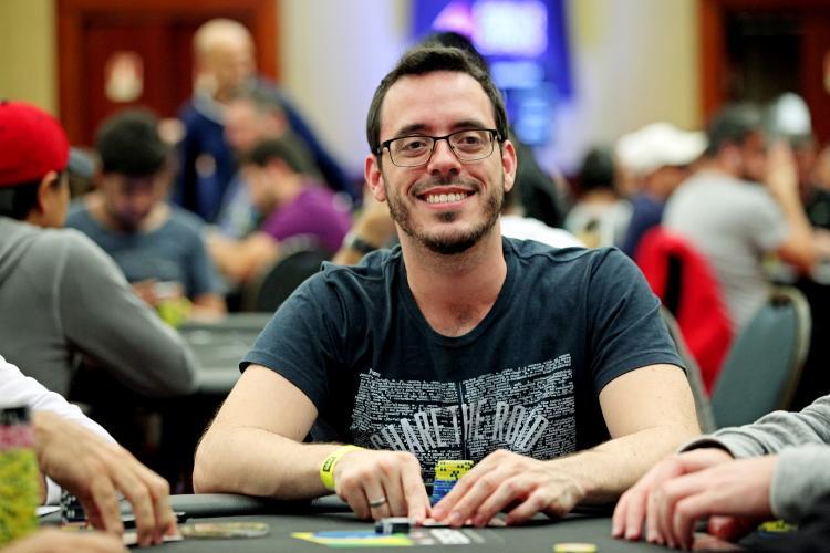 """Cássio """"cassiopak"""" Kiles é campeão do $1.050 Daily Warm-Up/CardPlayer.com.br"""