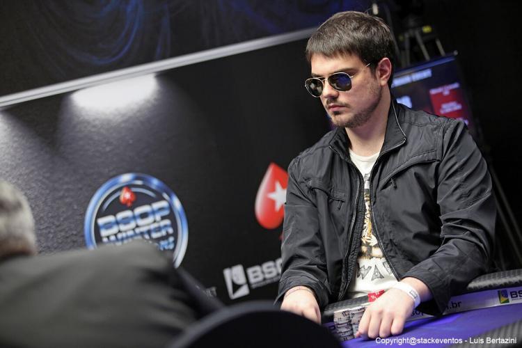 Iago Leonelli puxa a fila no Dia Final do Main Event do Winter Millions/CardPlayer.com.br