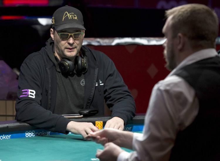 Após virada na final, Phil Hellmuth vence torneio de heads-up do Poker Night in America/CardPlayer.com.br