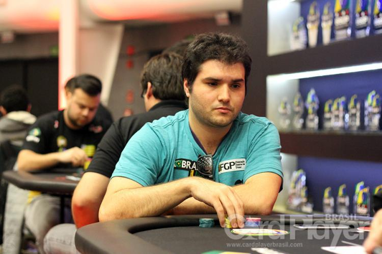 "Carlos ""DIFINI"" Difini sobe ao pódio do $109 Sunday Million /CardPlayer.com.br"