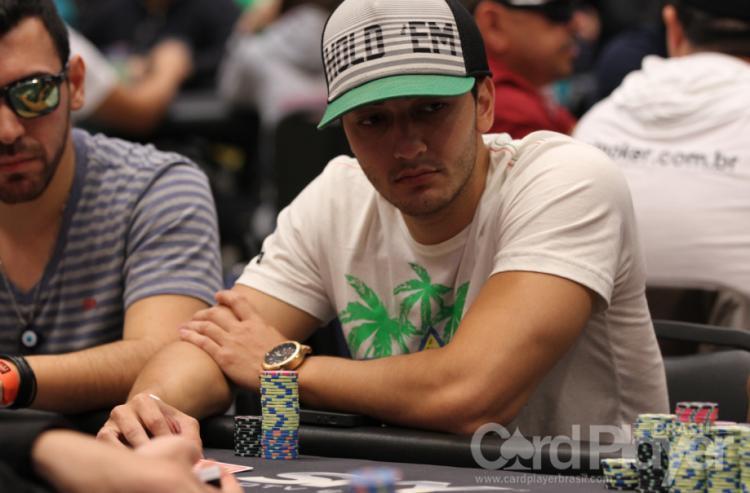 """Gustavo """"PIUlimeira"""" Goto é campeão do $1.050 Thursday Thrill/CardPlayer.com.br"""