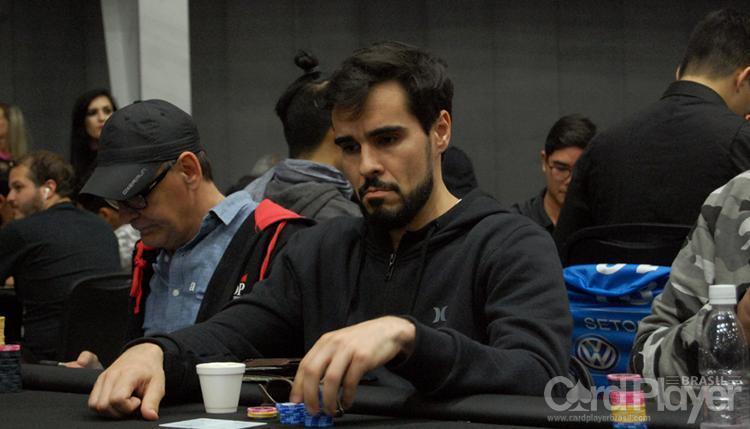 """Bernardo """"BraSILteRRoR_01"""" Rocha sobe ao pódio do $215 Super Sunday Deepstack/CardPlayer.com.br"""