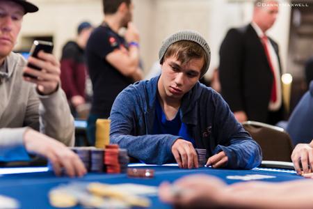 "Alessandro ""ale kmkz"" Piekazewicz crava Bigger $109/CardPlayer.com.br"