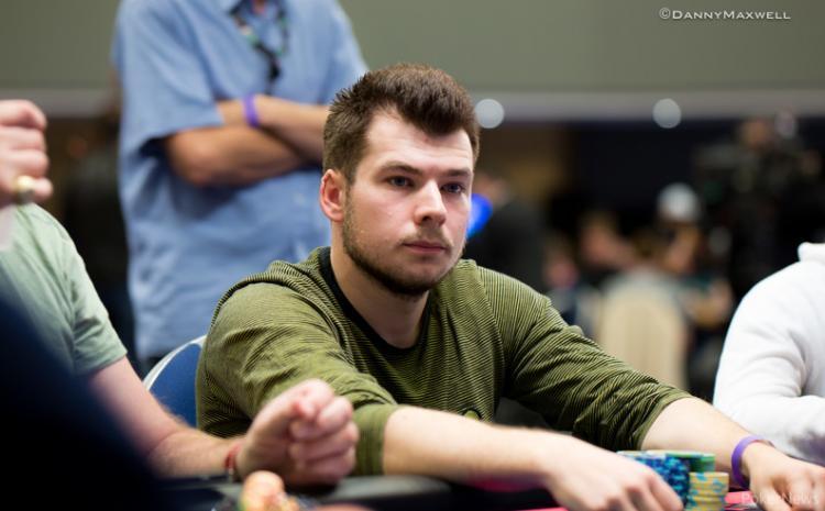 Tomas Macnamara puxa a fila no EPT Malta/CardPlayer.com.br