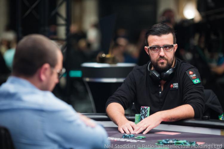 André Akkari fatura R$ 1,1 milhão no Main Event do PSC Barcelona/CardPlayer.com.br