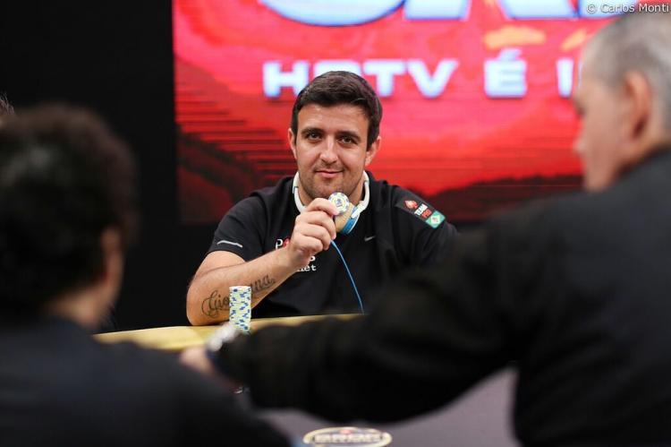 André Akkari avança no Evento 55 da WSOP/CardPlayer.com.br