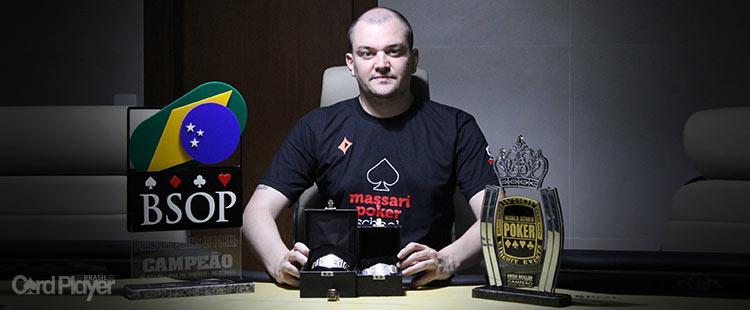 """""""O poker ao vivo lhe dá muito mais ferramentas para vencer"""", diz Rafael Caiaffa/CardPlayer.com.br"""