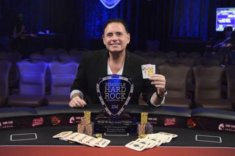 Michael Newman é campeão do Rock 'N' Roll Poker Open/CardPlayer.com.br