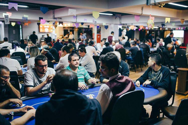 Casa Nova Poker Lounge