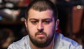 Scott Blumstein dispara na liderança do Main Event /CardPlayer.com.br