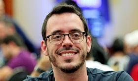 """Cássio """"cassiopak"""" Kiles sobe ao pódio do $1.050 Daily Warm-Up/CardPlayer.com.br"""