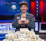 Qui Nguyen passeia no November Nine e vence o principal torneio de Poker do ano/CardPlayer.com.br