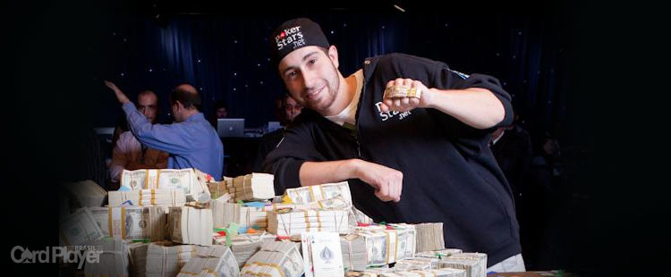 (CAPA) EDIÇÃO 41: Jonathan Duhamel - Jonathan Duhamel Vence o Main Event da World Series of Poker