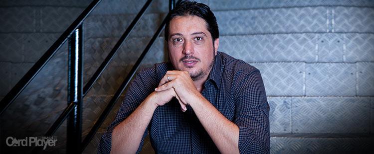 (CAPA) EDIÇÃO 46: Igor Federal - O Homem-forte do Poker Brasileiro