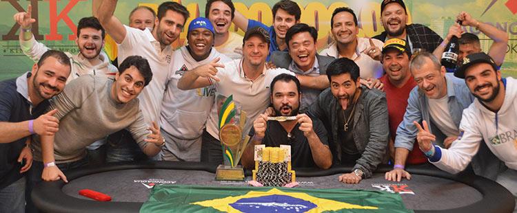 (CAPA) EDIÇÃO 98: Brasil Poker Live - Inesquecível! Brasil Poker Live e Kings Eventos realizam o maior torneio do país, fora de São Paulo, e coroam Ariel